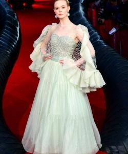 艾丽·范宁《沉睡魔咒2》伦敦首映礼图片