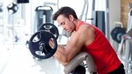 健身房健身的肌肉男图片(7张)