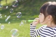 儿童春天户外玩耍图片(49张)