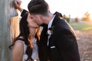甜蜜亲吻的情侣图片(10张)