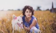 美女和狗狗图片(12张)