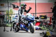 正在训练的摩托车赛车手图片(12张)