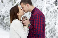 甜蜜接吻的恋人图片(12张)