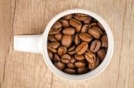 装着咖啡豆的杯子图片(8张)