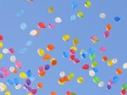 在空中飘荡的气球图片(12张)