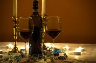 透明的红酒杯图片(11张)