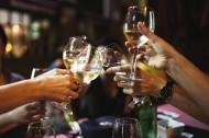 玻璃酒杯的特写图片(12张)