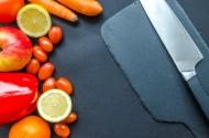 水果刀和各种蔬菜水果摆放一起图片(11张)