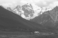 壮观的雪山美景图片(17张)