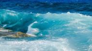波涛汹涌的大海图片(12张)