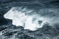 汹涌的浪花图片(12张)