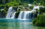 森林瀑布景色图片(14张)