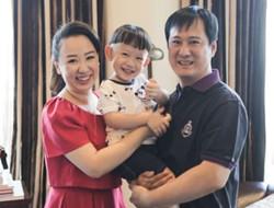 关凌宣布怀二胎 晒全家福纪念结婚4周年