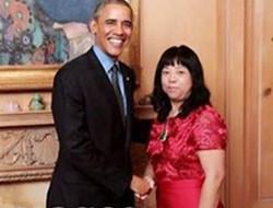 吴佩慈晒婆婆与奥巴马合影 网友:你结婚了
