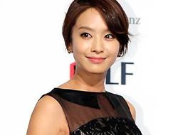 韩国女星35岁朴贞雅5月结婚 男方是高尔夫球手