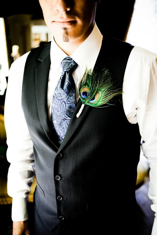 孔雀羽毛胸花,新郎胸花图片