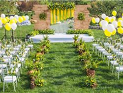 户外浪漫清新婚礼布置 黄色清新