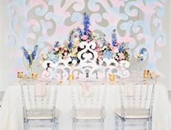 室内粉蓝色婚礼现场布置图片