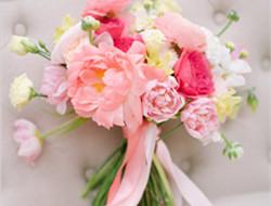 粉嫩室内婚礼现场布置图片