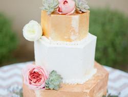 打破传统蛋糕形状 八角形婚礼蛋糕