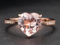 见证爱情的誓言 心形钻石戒指