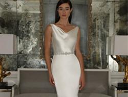 丝绸亮缎优雅材质新娘婚纱礼服