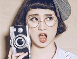 复古可爱女孩 相机记录生活