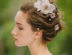 结婚当天新娘清新发型图片