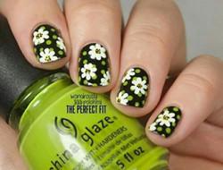 浪漫指尖 花朵美甲图片