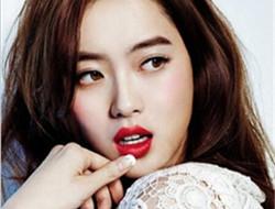 时尚红唇新娘妆 迷人双唇完美展现