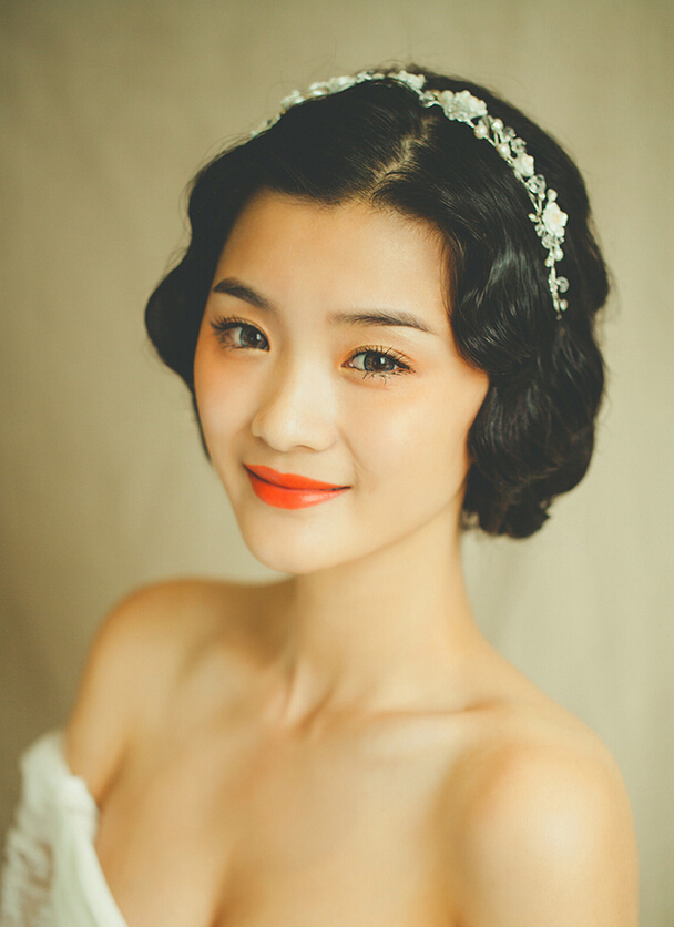 新娘妆容,新娘妆面,复古大红唇新娘妆,复古大红唇新娘妆图片