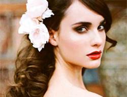 做婚礼上的混血公主 复古新娘妆