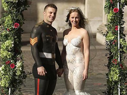 创意婚纱照裸体婚礼