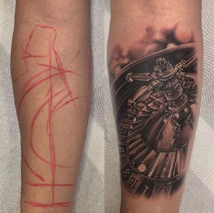 一组纹身勾线和成品的对比效果图片