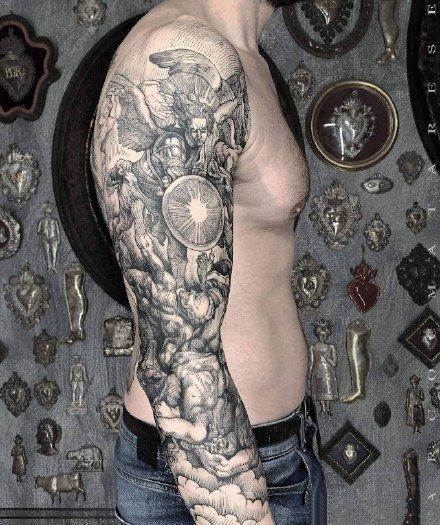 手臂大腿黑灰纹身文艺复兴题材纹身图片