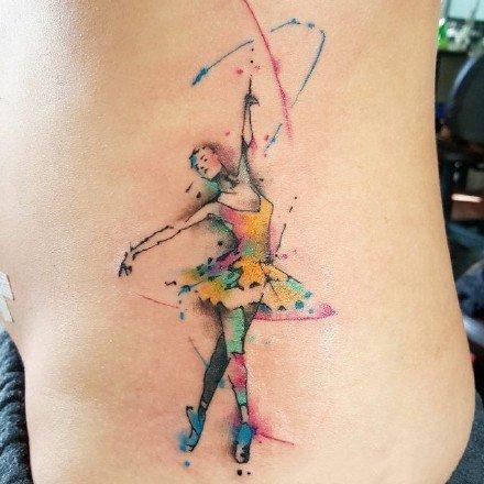 跳舞的女孩子喜欢的舞蹈主题纹身图案和手稿
