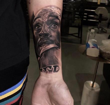 科比纹身 NBA名人科比的一组写实纹身图案