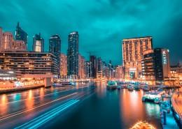 灯光闪烁的城市夜景图片(9张)