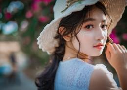 戴帽子的清纯美女图片(10张)