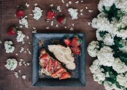 诱人的草莓水果蛋糕图片(11张)