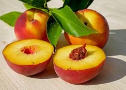 香甜多汁的水蜜桃图片(9张)