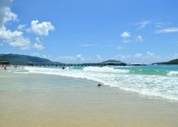 海南三亚亚龙湾海滨风景图片(8张)