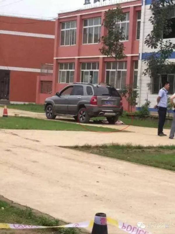 四川遂宁一女老师校园开车 碾死一名一年级学生
