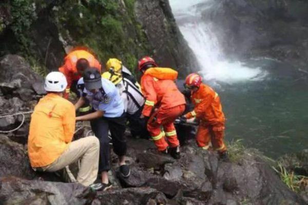 上海驴友在浙江瀑降不幸身亡 死者年仅35岁