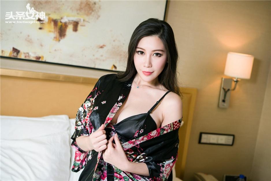 极品尤物美女田妞室内顶级人体写真