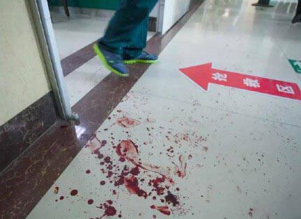 山东德州医院男子追砍医护人员