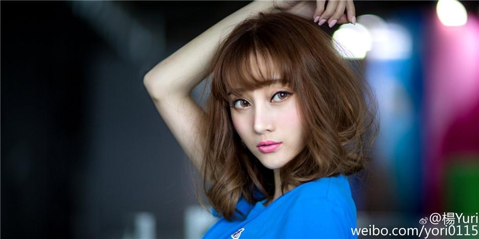 可爱俏皮女生杨文佳迷人图片