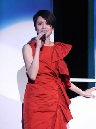 香港女歌手梁咏琪首次在台个唱