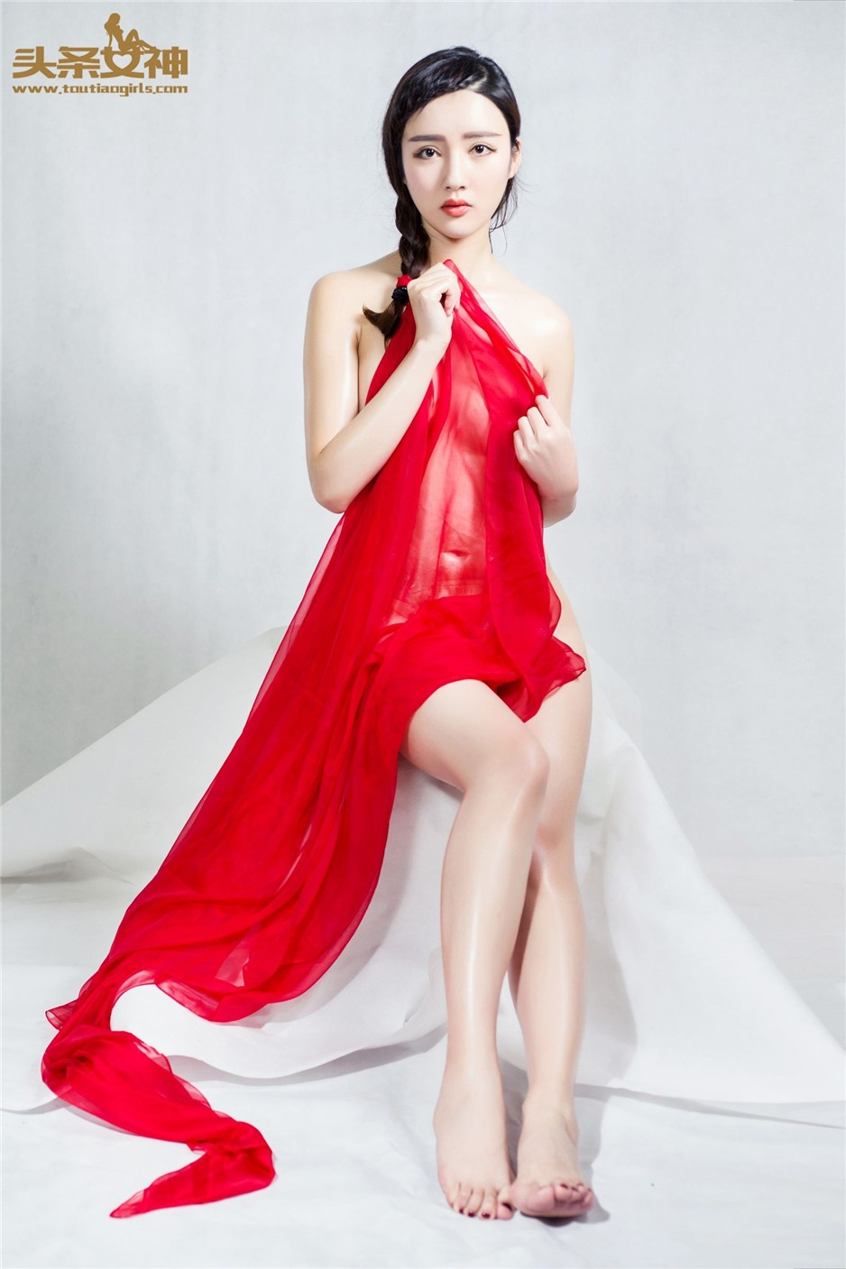 中国美女郭婷婷透明薄纱人体艺术图片