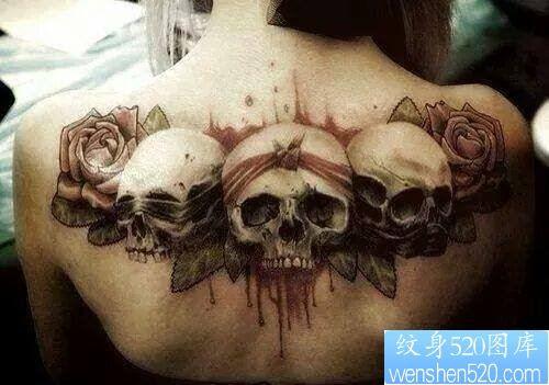 肩部个性骷髅头纹身图案
